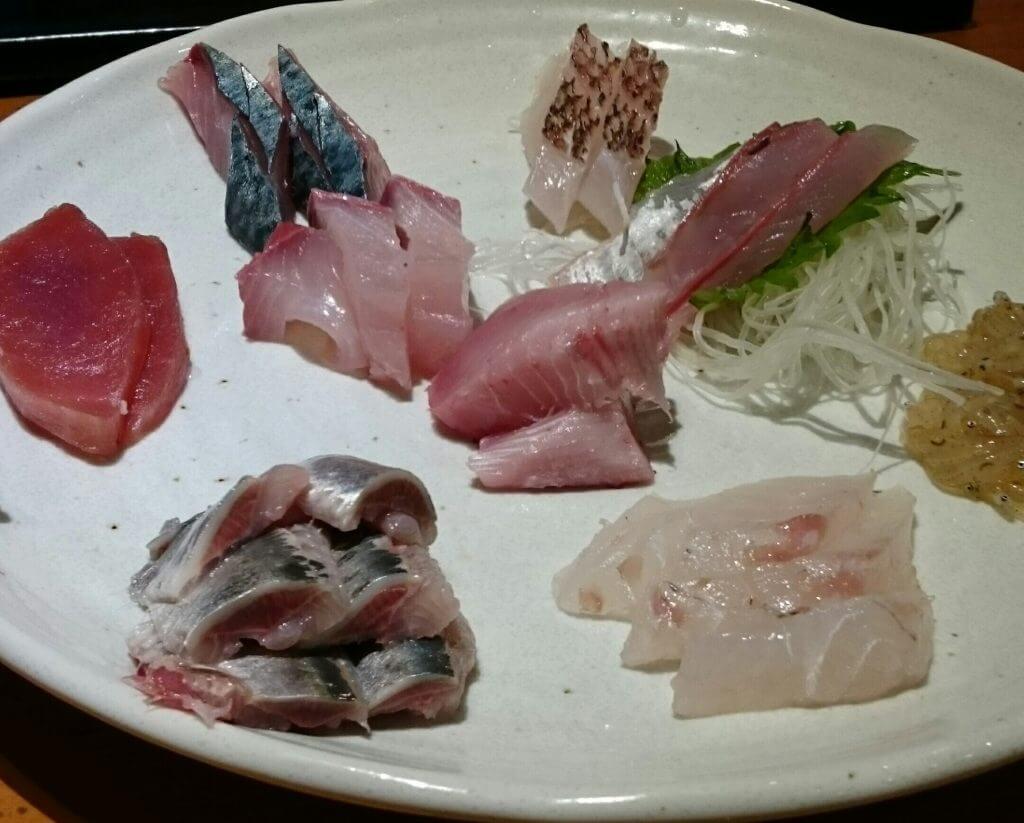 魚のまるた刺身
